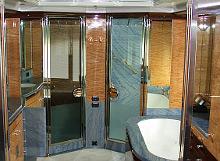 Edelstahl-Badezimmer